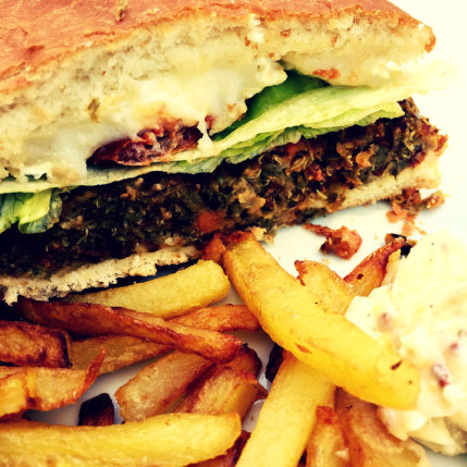 hamburger vegetarien coupé